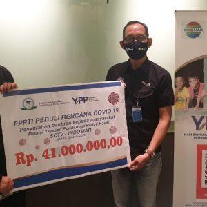 Penyerahan Donasi FPPTI Peduli Masyarakat Terdampak Pandemi COVID-19 kepada Yayasan Pundi Amal Peduli Kasih (YPP) SCTV – Indosiar, Selasa, 30 Juni 2020.